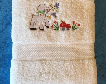 Bath Towel – Embroidered – Lamb in Garden – White