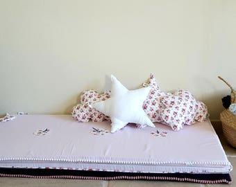 Montessori Rose flowers - organic cotton baby play mat / play mat