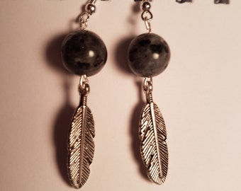 Earrings labradorite with charm