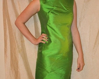 Vintage 60's JEAN LUTECE Beaded Stunning Green Silk Sheath Dress in Excellent Condition size 8 ~ MOD Party Dress!
