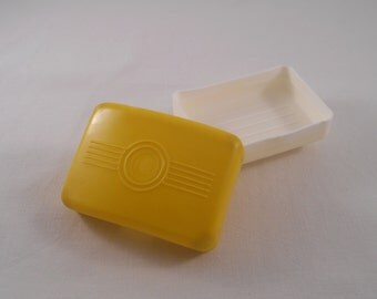 """Vintage 1970's Yellow And White Plastic Soap Dish """"AUSMA"""" From Latvia with antisliding brush, Travelers Soap Container, Collectible, Gift"""