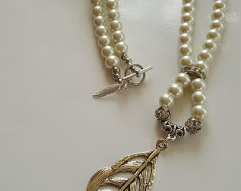 Feather Pearl Necklace