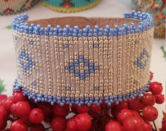 Beaded leather cuff bracelet opalescent blue, cream and silver diamond pattern