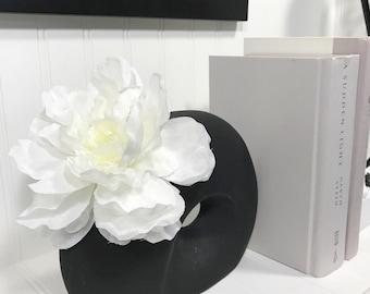 Black Vase w/floral