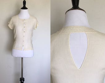 Keyhole Blouse | 1930s Vintage Ivory Sheer Muslin Crochet Blouse with Back Keyhole Cut Out | Size XS