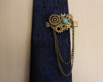 Steampunk hair clip with gears and chains handmade
