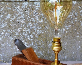 GUSTAVE : lampes rabot | wood plan lamp - grosse ampoule style edison a filament
