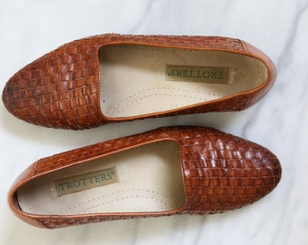 Reduced ! Woven Leather Skimmers/  Vintage Trotters Flats
