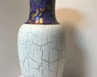 Antique Chinese Vase Purle, Gold and White