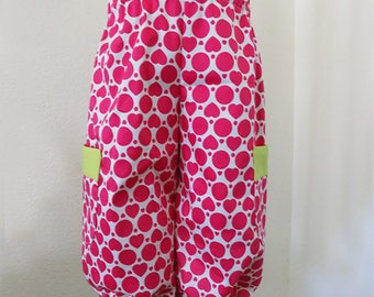White/hot pink heart/dot print pants with pockets. PN-017