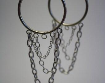 Chain swoop hoop earrings