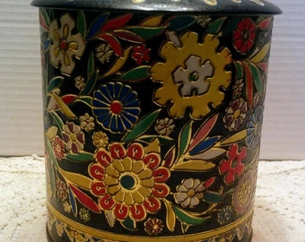 Vintage English Tin designed by Daher