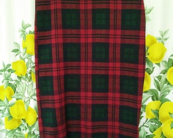 SALE!! retro-style plaid tight knee-length pencil skirt -- small