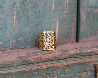Ring Brass Filigree Design / Bague filigrane en laiton