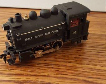 HO-scale Life-Like B&O Dockside 0-4-0 Steam Engine #8301 (c.1980's)
