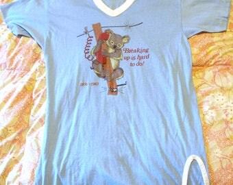 1970s 70s Kitschy Saying V-Neck Ringer Tee Koala Bear Breaking Up is Hard to do Retro XL Baby Blue Tourist Souvenir 50/50 T-Shirt Made USA