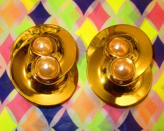 Vintage Gold Disk Earrings