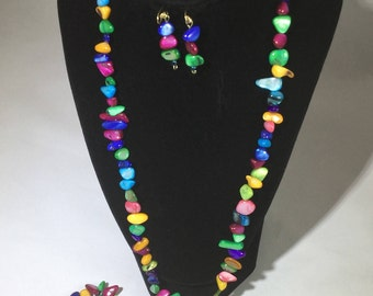 Colorful Beaded Necklace with matching Bracelet and Earrings