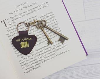Vintage Girl Guide Keyring - 'Reader'