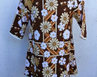 Gilrs long sleeve dress. Vintage brown flower print. Size 1,2,4