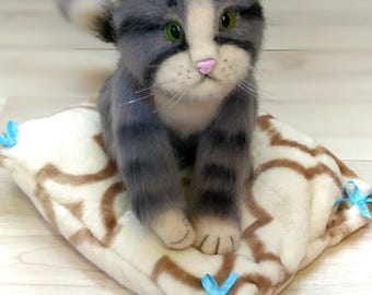 TO ORDER. Toy felted cat made of natural wool