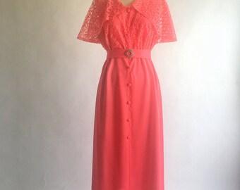 1970s Coral Lace Capelet Maxi Dress Sise XL