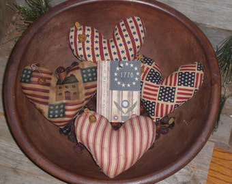 4 Assorted Primitive Rustic Patriotic Americana July 4 USA Red White and Blue LOVE Hearts Bowl Fillers Ornies Ornaments Tucks Mini Pillows