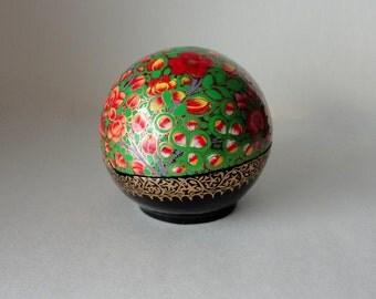 Vintage Round Kashmir Paper Mache Lacquered Trinket Box Apple Geranium Lupine Blossom HandPainted Lidded Ball Large Treasure Valet Dresser