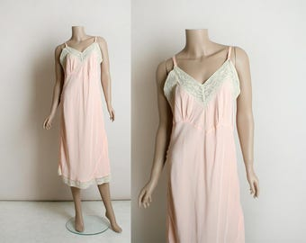 Vintage 1940s Nightgown Slip - Soft Pastel Pink and White Lace Trim - Rayon Full Slip - Large XL -