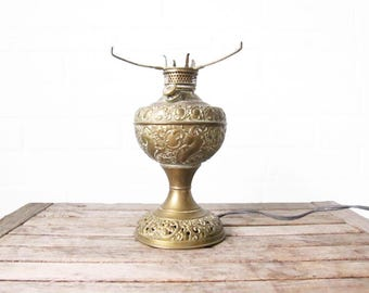 Vintage Brass Oil Lamp - Electric Table Lamp - The New Rochester Jr Oil Lamp - Desk Lamp Table Lamp - Ornate Antique Brass Steampunk Lamp