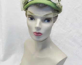 1960s Vintage Green and White Hat with Veil