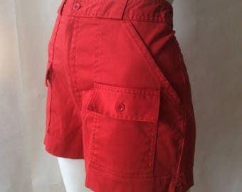 High waist red safari / pinup girl shorts, early 1980's, with cargo pockets, women's medium 6 - 8, waist 28 - 29