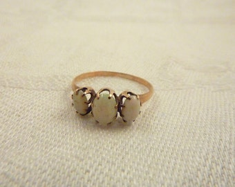 Antique Victorian 10K Gold and Triple Opals Ring Size 6 1/4