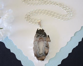 Geode Necklace Silver, Crystal Necklace, Geode Agate Slice, Boho Jewelry, Druzy Pendant, Natural Geode, GS102