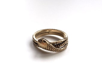 V I N T A G E // smiling serpent / 10k yellow gold / size 7