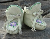 Baby Moccasins By Desi, Beaded flower, Easter Dress Soft Soled Shoes, 3-6 months 2.5 US size, Pale Mint Green Deerskin Leather, Girl Booties