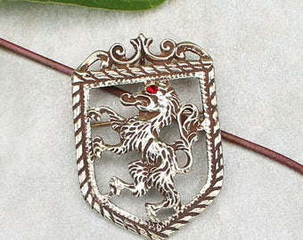 Vintage Royal Family Crest Lion Pin. Vintage Costume Jewelry,