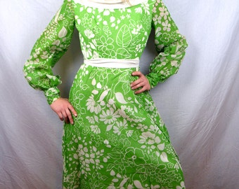 Vintage 1970s FUN Green Floral 1970s 70s Dress