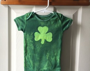 St. Patrick's Day Baby Bodysuit, Green Shamrock Baby Bodysuit, Baby Shamrock Bodysuit, Irish Baby Gift (9 months)