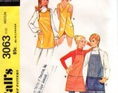 1970s Cross Back Apron Pattern - Vintage McCall's 3063 - Size Medium