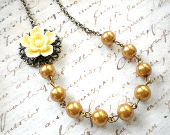 Gold Bridesmaid Necklace Gold Wedding Jewelry Sister In Law Gift Gold Pearl Necklace Ivory Flower Necklace Gold Choker Necklace