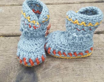 Baby booties, baby boy booties, baby crib shoes, baby shoes, baby shower gift, grey baby booties, baby boots, ugg boots, crochet baby shoes