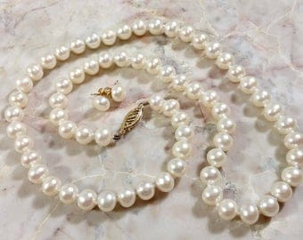 Vintage 14k Pearl Necklace Earrings Set Jewelry Pearl White Pearls 14k Yellow Gold Clasp and Pearl Stud Earrings Beautiful Bright Luster