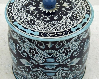 Vintage Daher England Blue and White Tin Container Jar Flow Blue