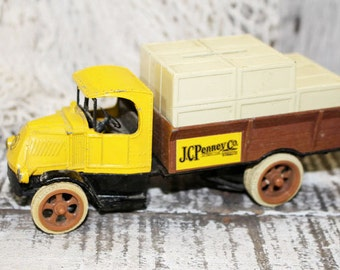 Truck Bank, Vintage replica MACK 1926 Bulldog JC Penney's Co bank, ERTL truck