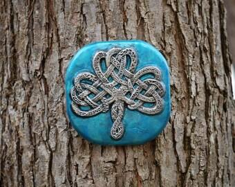 Celtic Knot Shamrock, Irish Art Garden Gift, Garden Stone Art Sculpture, Housewarming Gift, Ornamental Shamrock