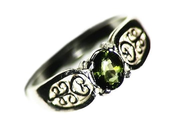 Green Tourmaline Ring, Size 7 Ring Silver (0.66 ct) Faceted Oval Silver Ring, Cut Verdelite Ring, Filigree Jewelry, Green Womens Ring, Gift