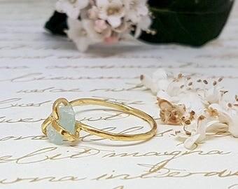 Aquamarine Ring, Raw Aquamarine Ring, Gold Gemstone Ring, March Birthstone Ring, Stackable Rings, Raw Gemstone Ring, Raw Crystal Jewelry