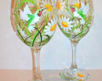 Hand Painted Wine Glasses Springtime White Daisies and Hummingbirds Set of 2- 20 oz. White Wine Goblets Daisy Wedding Gift Bridesmaids Gift