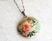Robin Locket Necklace Pink Red Rose Garden Pendant Bird and flower Long Chain Layering Necklace Keepsake Fashion Jewelry Gift for Mom